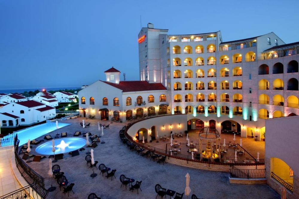 arena-hotel.jpg